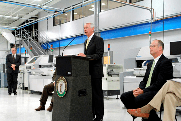 Kentucky Governor Steve Beshear Visits SMC Manufacturing Services Facility